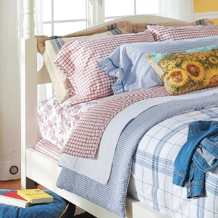 Mix Match Bedding For A Layered Look My Home My Style