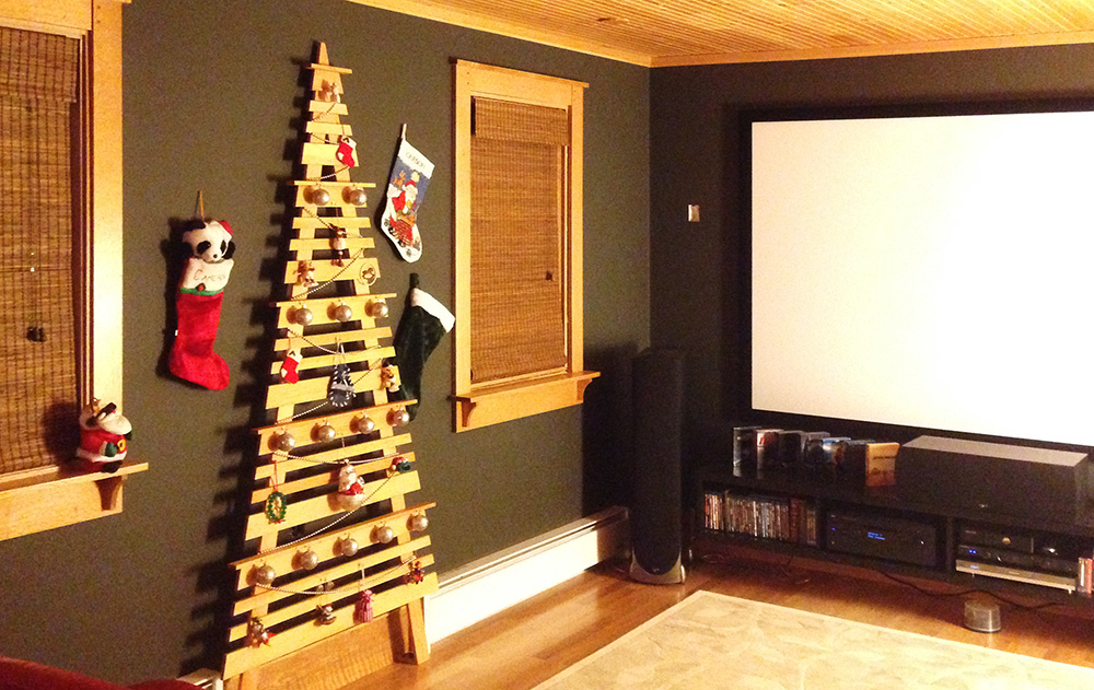 media room - Wall Mounted Christmas Tree