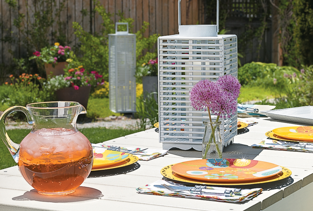 Stylish Picnic Table Setting & Stylish Picnic Table Setting | My Home My Style
